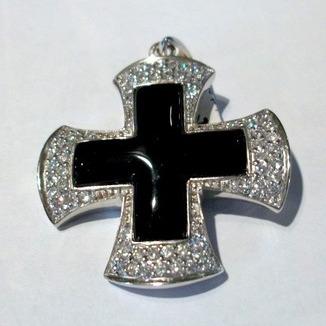 Krzyż z czarnym onyksem