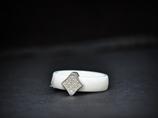 Pierścionek porcelanowy biały- ROMB